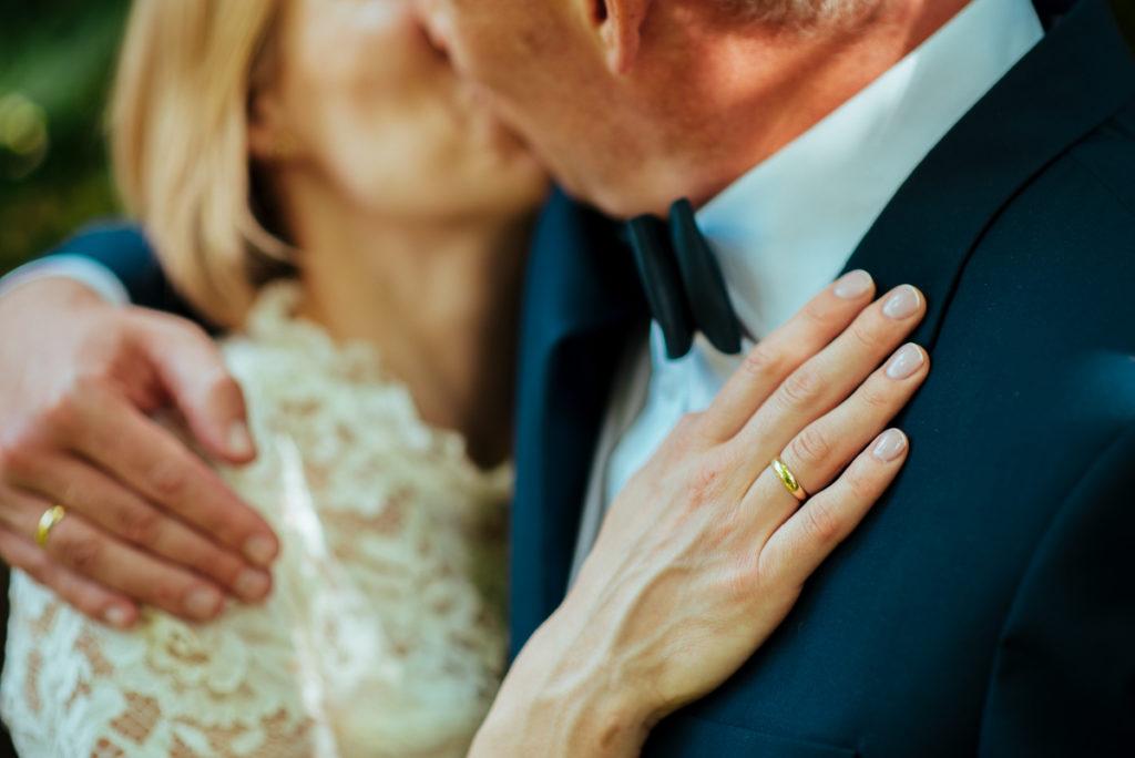 obrączki ślubne państwo młodzi
