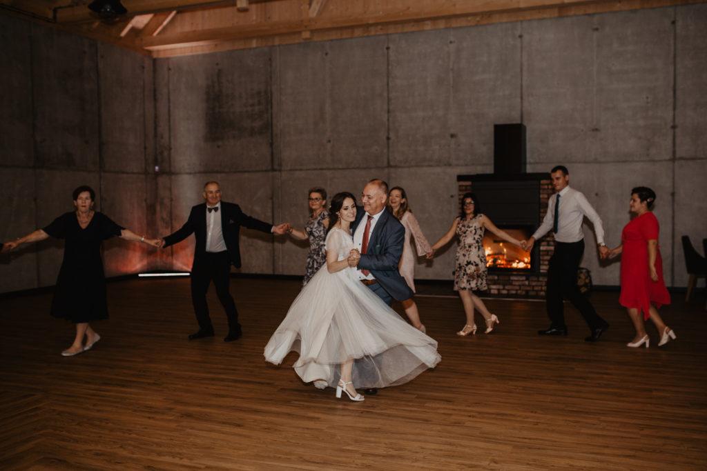 taniec panny młodej z tatą