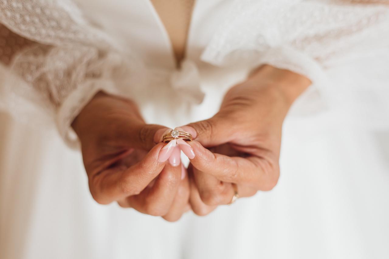 pierścionek zaręczynowy